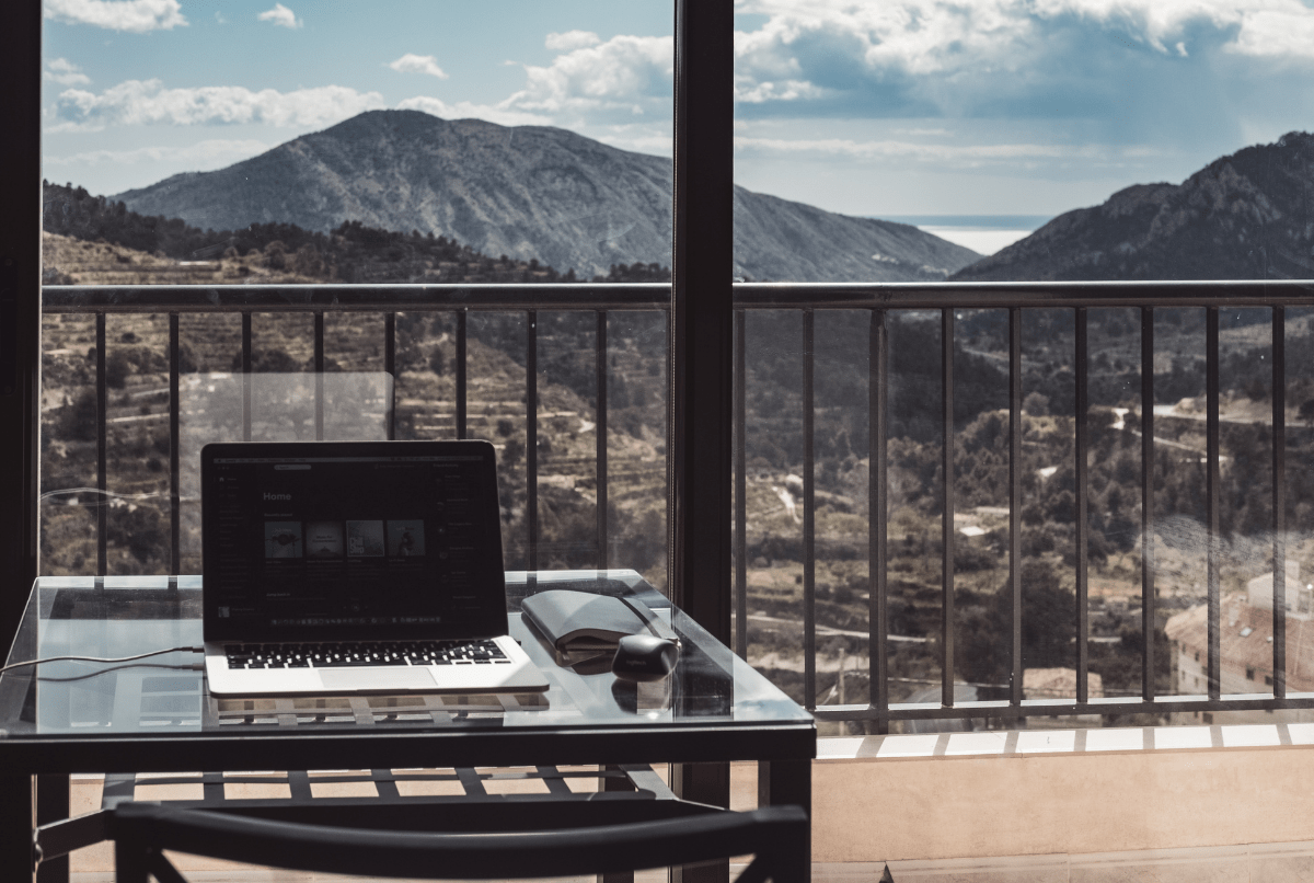 Can your business run while you're on vacation? Cloud accounting says yes.