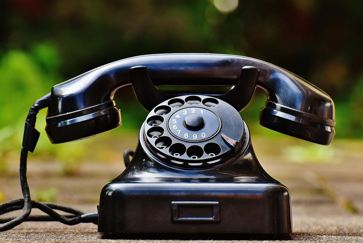 Contacting the IRS: Calling, sending documents, and avoiding bad actors
